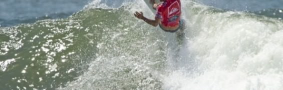 kellyslater_goldie2013