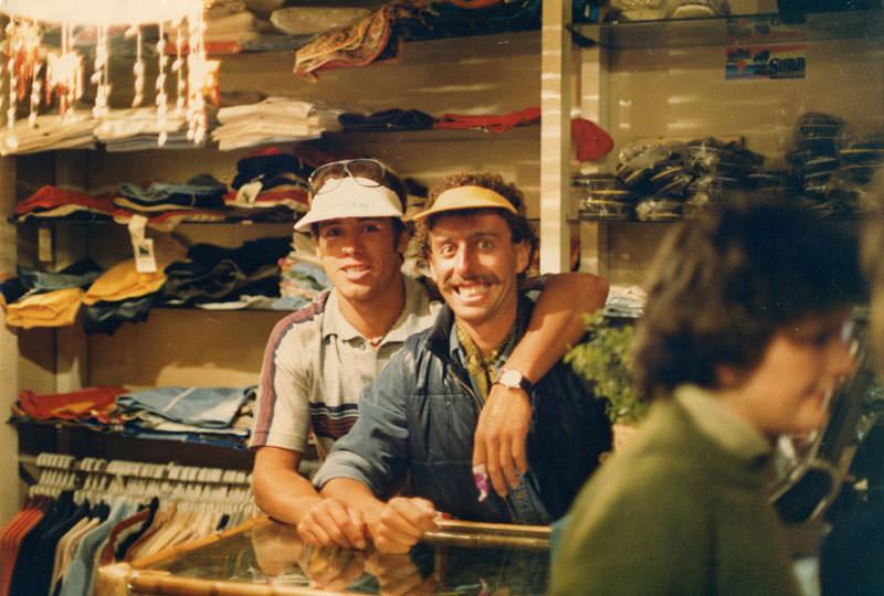 Santiago y Fernando Aguerre en el viejo Ala Moana.