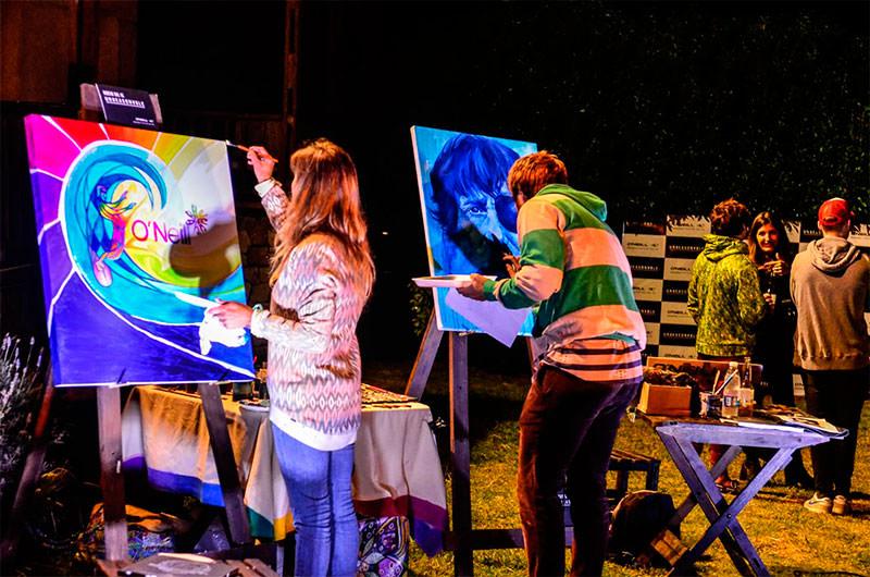 Los artistas en acción.